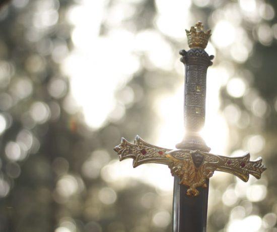 spada nella roccia in Toscana